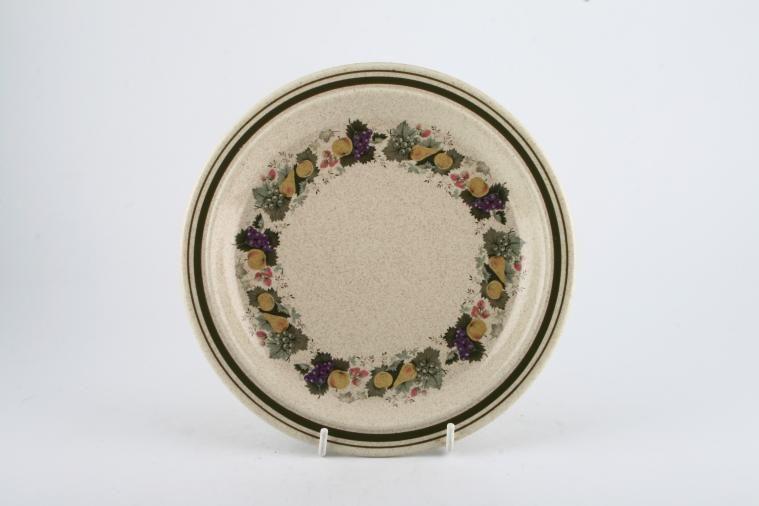 Royal Doulton - Harvest Garland - Thick Line - L.S.1018 - Starter / Salad / Dessert Plate