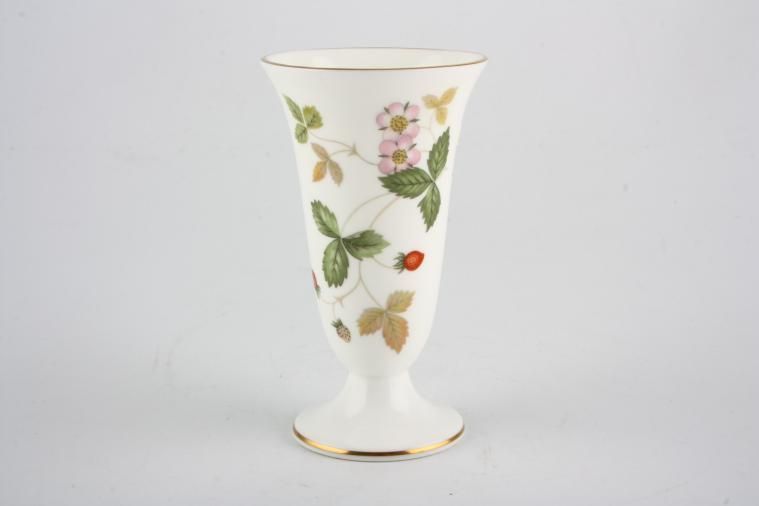 Vase 163 23 60 1 In Stock To Buy Now Wedgwood Wild Strawberry